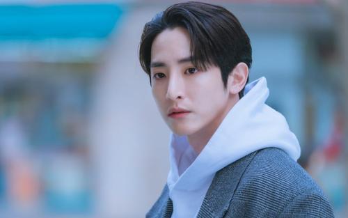 Những câu thoại của nam phụ Lee Soo Hyuk trong 'Doom at Your Service' khiến trái tim fan nữ 'tan chảy'