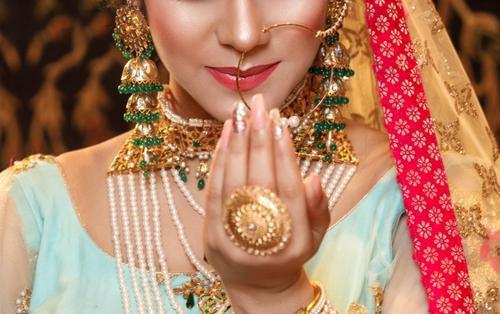 7 bí quyết làm đẹp giúp phụ nữ Ấn Độ giữ mãi tuổi thanh xuân