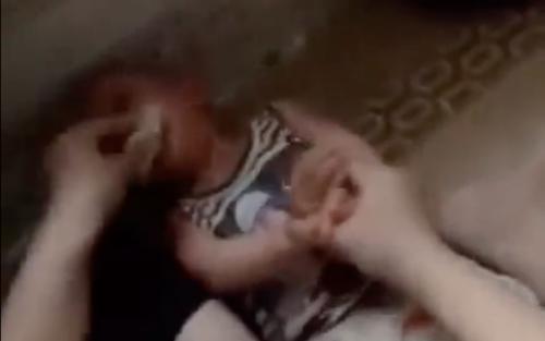 Lời khai của cô gái nhét giẻ vào mồm bé mầm non 12 tháng tuổi
