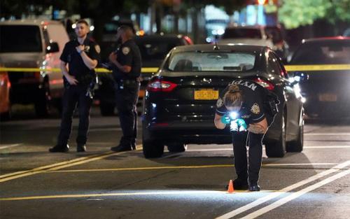 Hơn 400 vụ xả súng khiến 150 người chết trong dịp Quốc khánh Mỹ