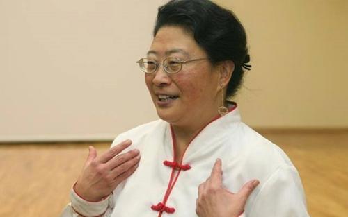 Vợ đại sứ Bỉ tại Hàn Quốc bị tố tát nhân viên quét rác