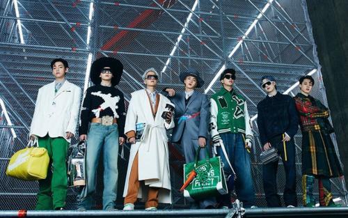 BTS khiến fan thế giới rụng rời khi xuất hiện ở show Louis Vuitton với visual quá hoàn hảo