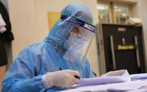 Khẩn: Sở Y tế Hà Nội yêu cầu tăng cường giám sát người về từ vùng dịch và TP Hồ Chí Minh