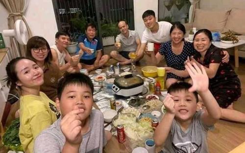 Hình ảnh riêng tư hiếm hoi của Xuân Trường và Nhuệ Giang được công khai trên mạng xã hội
