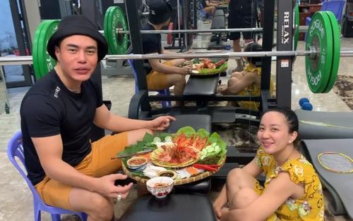 'Mọi người ơi mọi người' Lê Dương Bảo Lâm đăng clip ăn uống sang chảnh ai ngờ bị netizen lên án