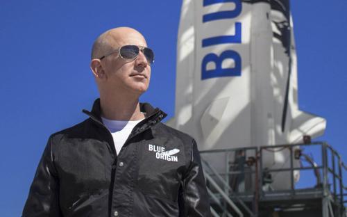 Tỷ phú Bezos hào hứng trước giờ lên vũ trụ