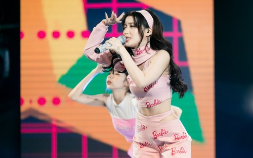 Han Sara nhắn nhủ điều đặc biệt tới 'đàn chị' Cara trước trận lượt về, tiết lộ bài hát 'hỗn hợp' ở vòng 4