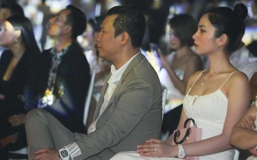 'Bạn gái tin đồn' đăng ảnh đại gia Đức Huy chưa được 5 phút đã xóa vội, fan 'rần rần' đòi công khai