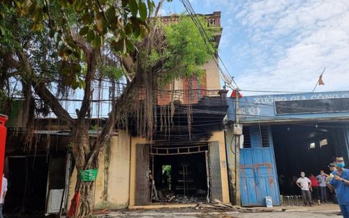 2 vợ chồng tử vong trong căn nhà cháy rụi, trên thi thể có nhiều vết đâm