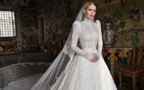 Váy cưới Dolce & Gabbana lộng lẫy đến nghẹt thở của cháu gái Công nương Diana