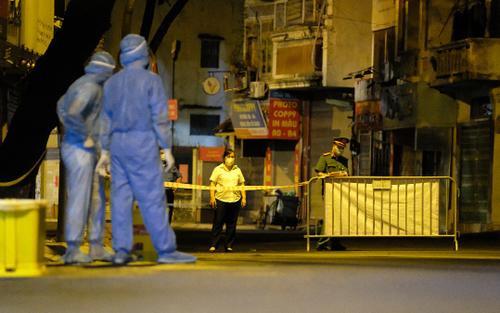 Hà Nội: Tạm phong tỏa một ngõ tại quận Hai Bà Trưng sau khi phát hiện 20 ca nghi mắc Covid-19