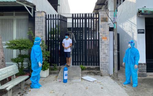 Xuất hiện mô hình 'ATM oxy', mang bình oxy đến tận nhà để hỗ trợ bệnh nhân COVID-19 ở Sài Gòn