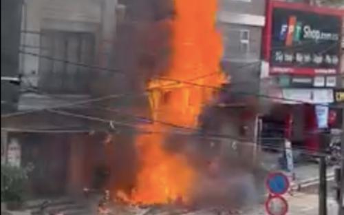 Cửa hàng gas bốc cháy dữ dội, nhiều tiếng nổ lớn phát ra liên tiếp từ đám cháy ở Sa Pa