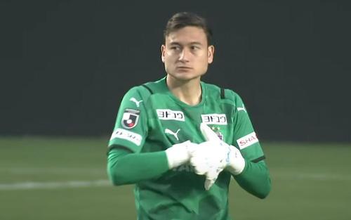 Đặng Văn Lâm 'mất tích' ở đội bóng Nhật Bản