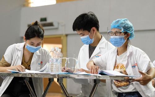 Trưa 21/8, Hà Nội thêm 21 ca dương tính mới với SARS-CoV-2, trong đó 3 ca tại chung cư Linh Đàm
