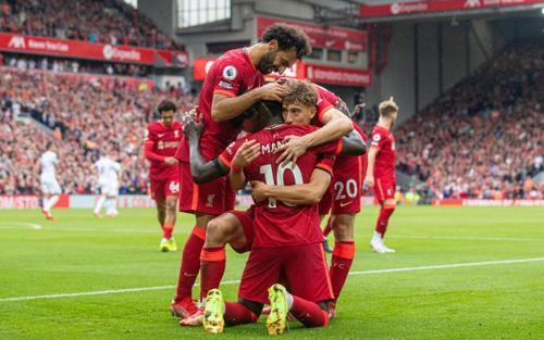 Liverpool dạo chơi ở Anfield, tạm dẫn đầu Ngoại hạng Anh