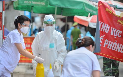 Hà Nội: Tạm phong tỏa con ngõ thuộc phường Giáp Bát, sau khi ghi nhận 23 ca dương tính SARS-CoV-2