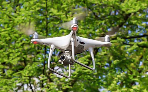 Hà Nội lần đầu sử dụng flycam giám sát thực hiện giãn cách xã hội