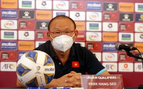 HLV Park Hang Seo: 'Tôi tôn trọng quyết định của trọng tài'