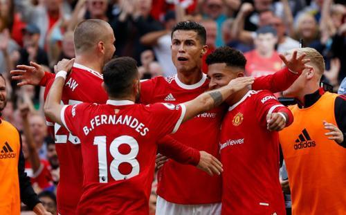 Ronaldo lập cú đúp ngày ra mắt, MU thắng tưng bừng lên đỉnh Ngoại hạng Anh