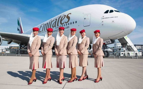Nữ tiếp viên hàng không nghỉ việc trong uất ức vì tăng 2 kg
