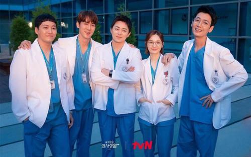 Phim 'Hospital Playlist 2' kết thúc với rating 'khủng' nhưng sẽ không có mùa 3?