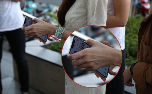 Hết soi sao kê, netizen lại soi đến ứng dụng trên điện thoại di động của Thủy Tiên