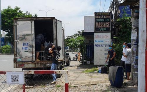 TP.HCM: Phát hiện 6 F0 đã khỏi bệnh trong thùng xe tải 'luồng xanh'
