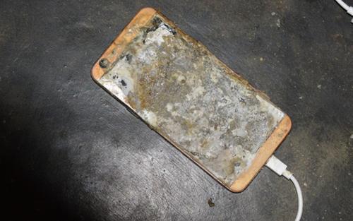 Nam sinh lớp 12 bị điện giật tử vong khi sử dụng điện thoại đang cắm sạc