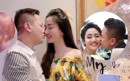 Á hậu Ngô Trà My khóa chặt môi chồng ngày sinh nhật