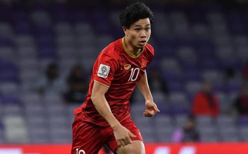 Công Phượng lập cú đúp bàn thắng, truyền thông Trung Quốc lo sốt vó cho đội nhà