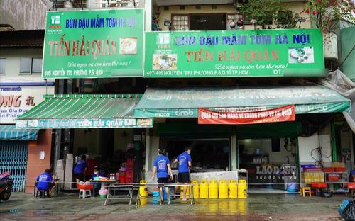 Cơ sở kinh doanh ăn uống và siêu thị ở TP.HCM mở lại cần đáp ứng những tiêu chí nào?