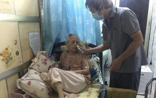 Cụ bà 99 tuổi 'đánh bại' hoàn toàn Covid-19 sau 15 ngày tự điều trị tại nhà