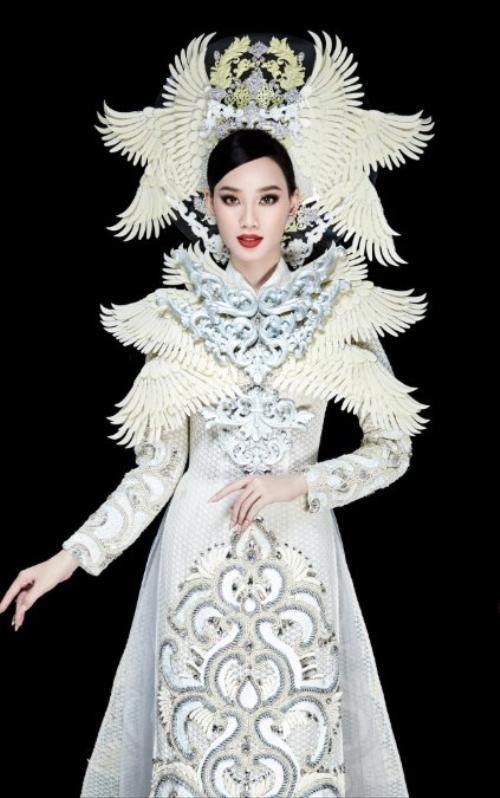 Nổi da gà vì trang phục dân tộc của Ái Nhi tại Miss Intercontinental