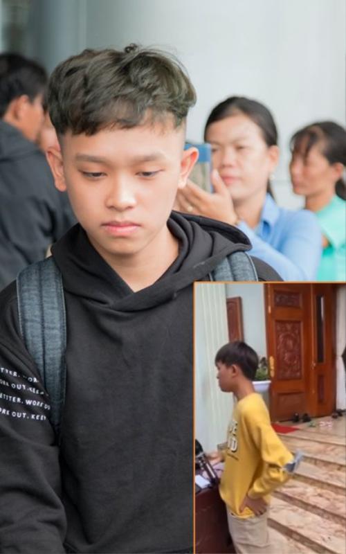 Xôn xao clip Hồ Văn Cường xuất hiện tại quê nhà hậu ồn ào cát-sê