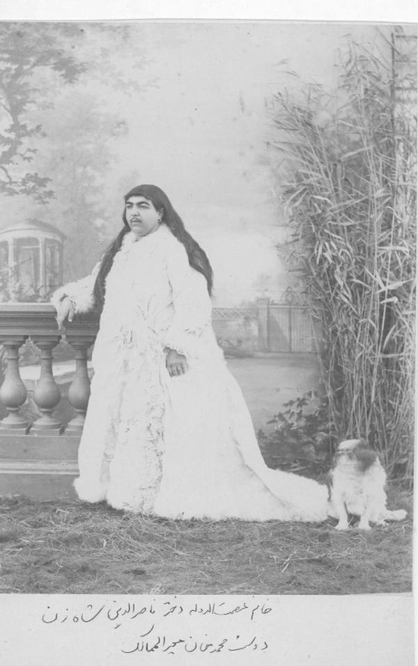 """Bức ảnh công chúaFatemeh Khanum """"Esmat al-Dowleh"""" với dòng chú thích gây xôn xao. Ảnh: A bit of History"""