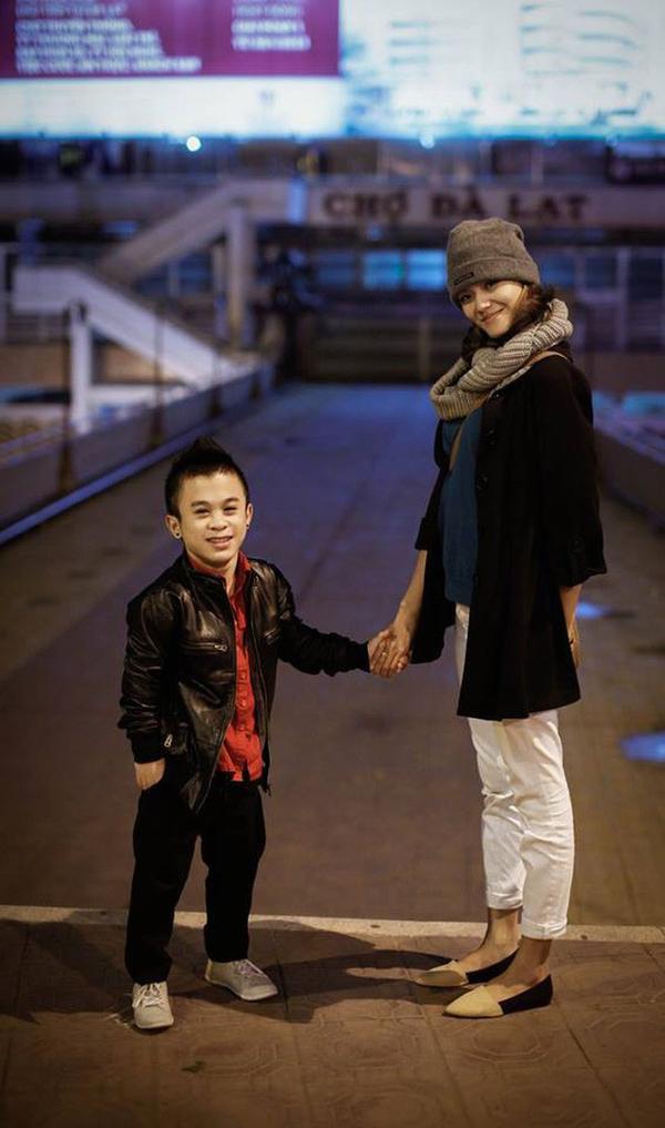 Trước đó, Xuân Tiến từng có lùm xùm với cô nàng người mẫu 1m76, Lê Thanh Thảo.