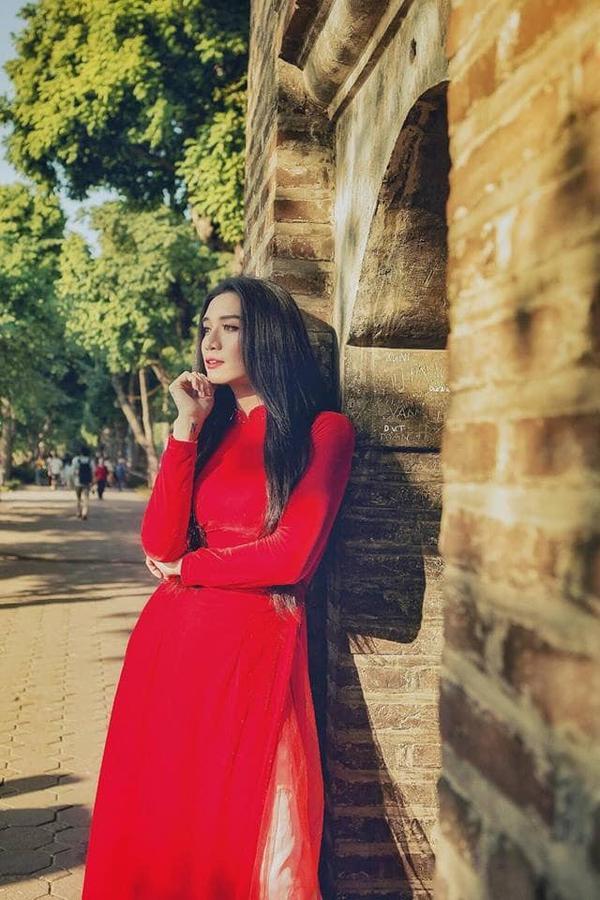 Để đọ về độ giả gái đến mức thánh thần thế này thì đúng là không mỹ nam nào của showbiz Việt bằng được BB Trần.