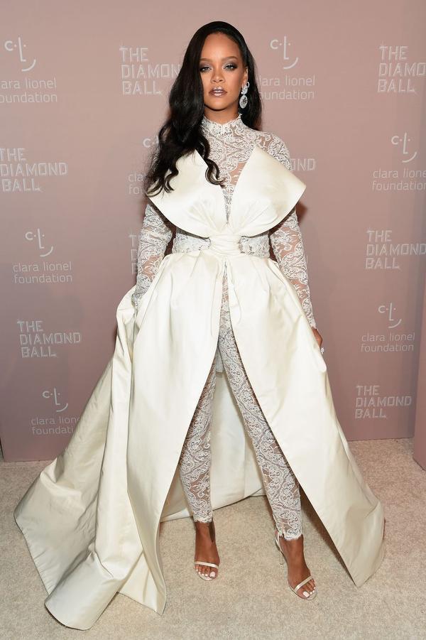 2018 đầy tai tiếng nhưng Phạm Băng Băng vẫn quyết không rời BXH mặc đẹp nhất năm