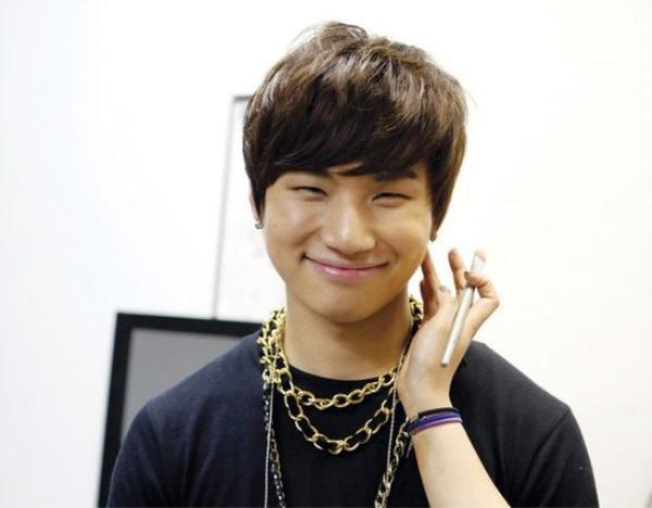 Trong khi Knet phản ứng dữ dội về tin hẹn hò của Kai và Jennie, fan Việt lại cảm thấy tội nghiệp hai cái tên khác!