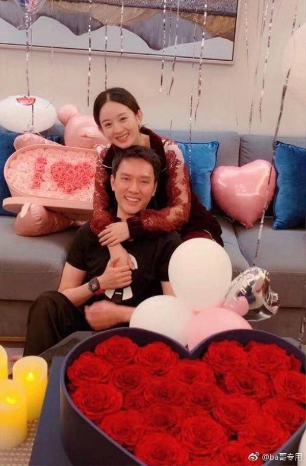 Triệu Lệ Dĩnh  Phùng Thiệu Phong phân công công việc rõ ràng: Chồng ra ngoài kiếm tiền, vợ ở nhà yên tâm dưỡng thai