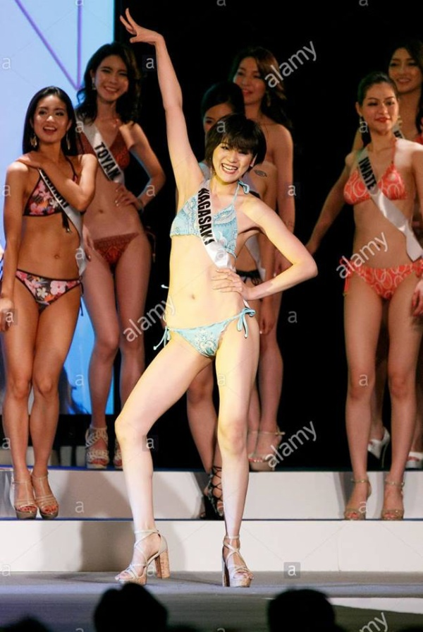 Cười lả đi vì màn tạo dáng bá đạo khi thi bikini của thí sinh Hoa hậu Hoàn vũ Nhật Bản