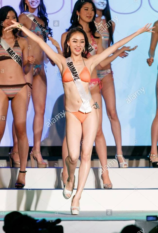 Nếu ai theo dõi cuộc thi Hoa hậu Hoàn vũ Nhật Bản hàng năm thì không còn lạ gì với những kiểu tạo dáng khác người của thí sinh.