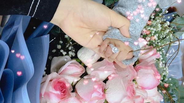Quế Ngọc Hải làm đám cưới vào ngày 20-1-2018 tại Nghệ An. Vợ của anh là mỹ nhân xinh đẹp Dương Thị Thùy Phương - hoa khôi Đại học Vinh.
