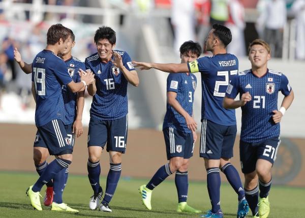 Tuyển Nhật Bản bị hủy bỏ bàn thắng vì công nghệ VAR.