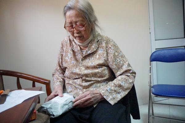 Chuyện về bà cụ 86 tuổi quyết ly hôn chồng vì cả đời không một lần rửa bát' và những cái Tết xa nhà ở viện dưỡng lão