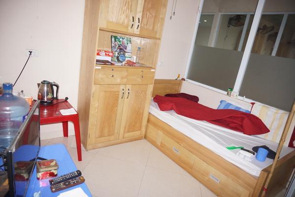 Căn phòng nhỏ nơi bà Dung ở luôn ngăn nắp, sạch sẽ.