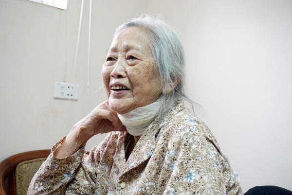 Bà bảo, Tết có nhiều cảm xúc vui buồn lẫn lộn nhưng ở trung tâm bà thấy thoải mái hơn.