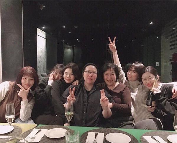 Song Hye Kyo khoe vẻ đẹp tinh khôi không hề có nếp nhăn dù đã ở độ tuổi 38
