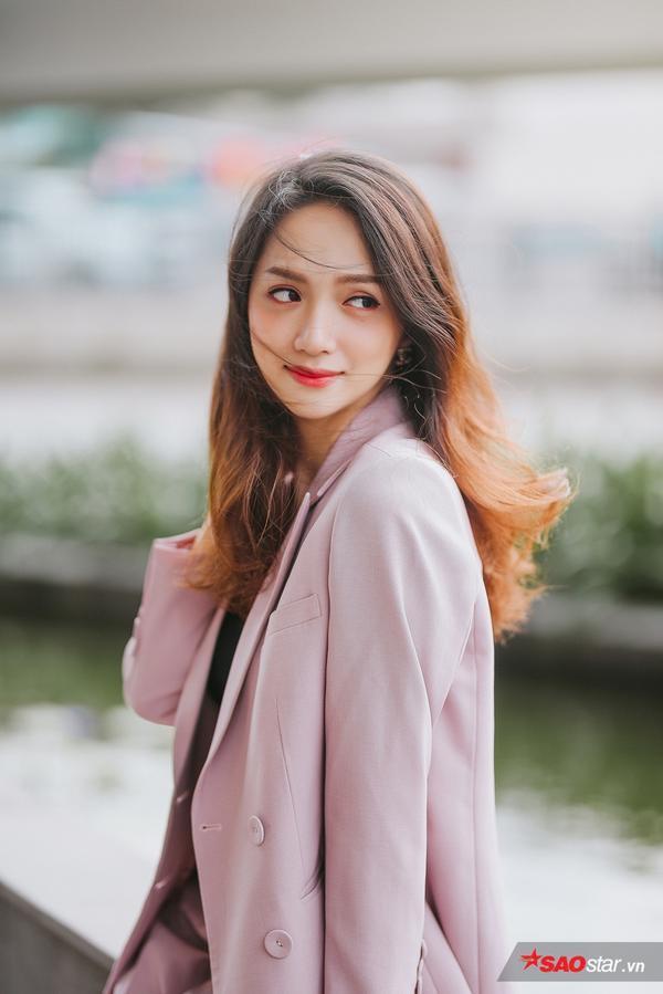 Hương Giang: Hoa hậu mãi là hoa hậu, nếu giữ khư khư nhiệm kỳ sẽ chẳng giúp ích được nhiều cho cộng đồng
